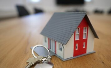Can you buy a house with business credit?